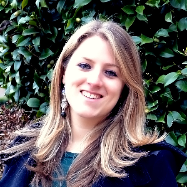 NICOLE WOLOSKER, Brazilian, Communication and Media Studies with minors in French, Italian and Management